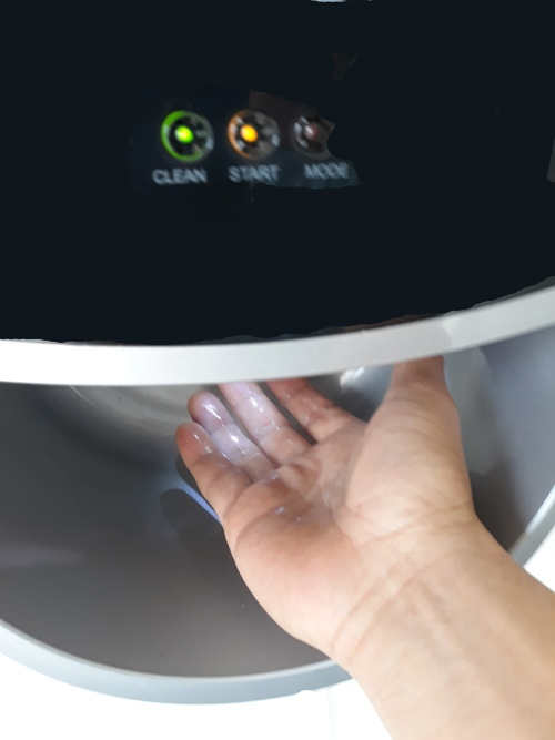 AIAN Touchless Sanitizer Dispenser in operation